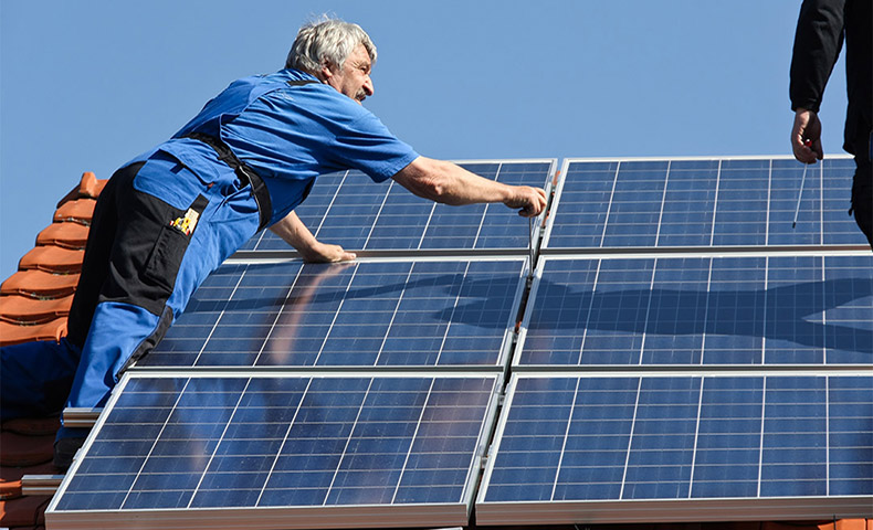 installing and cleaning solar panels