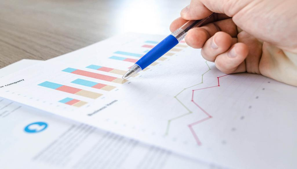 chart-close-up-data-desk