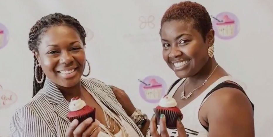 southern girls desserts owners with cupcakes